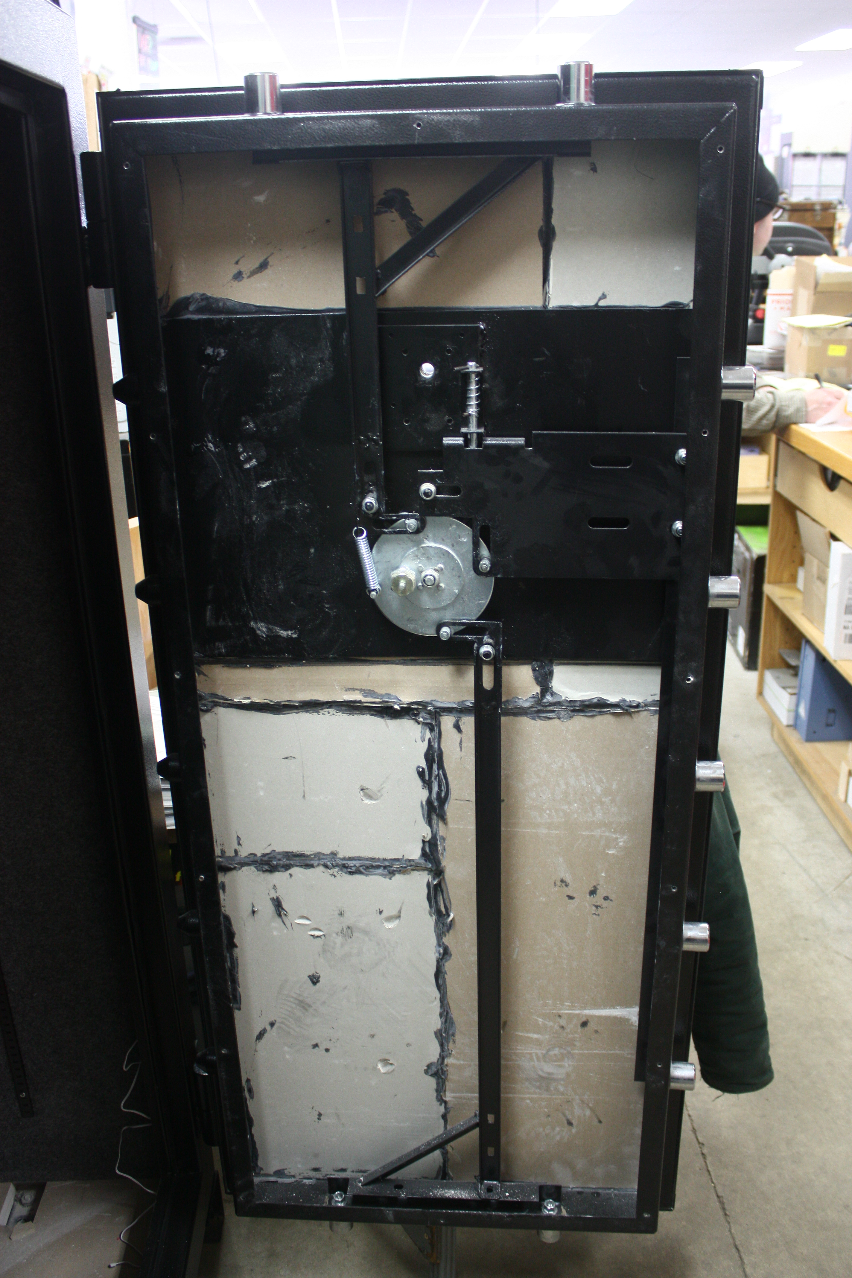 in wall safe 22