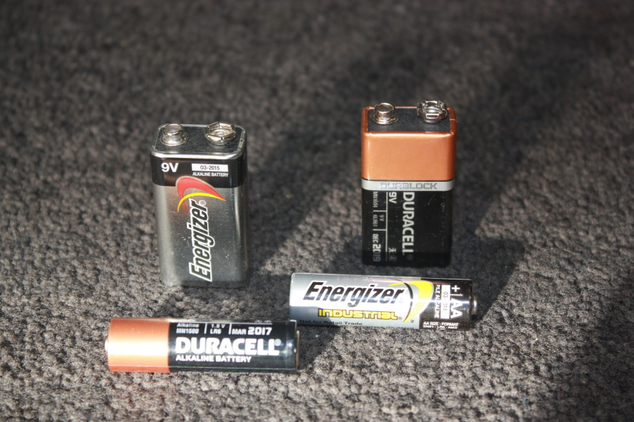 The Best Batteries for Electronic Safe Locks | Tom Ziemer