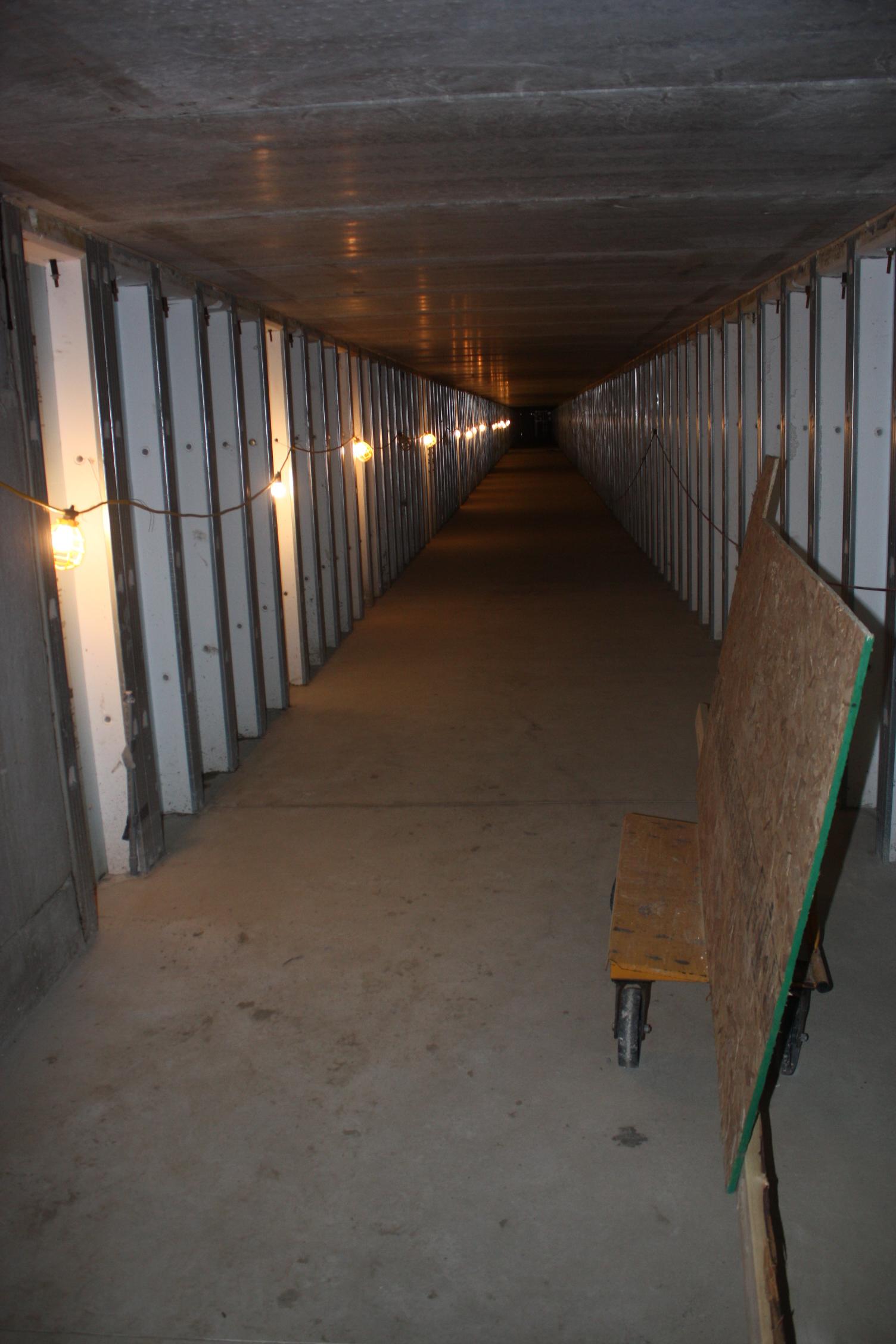 Vault doors archives page 2 of 3 tom ziemer for Underground gun vault
