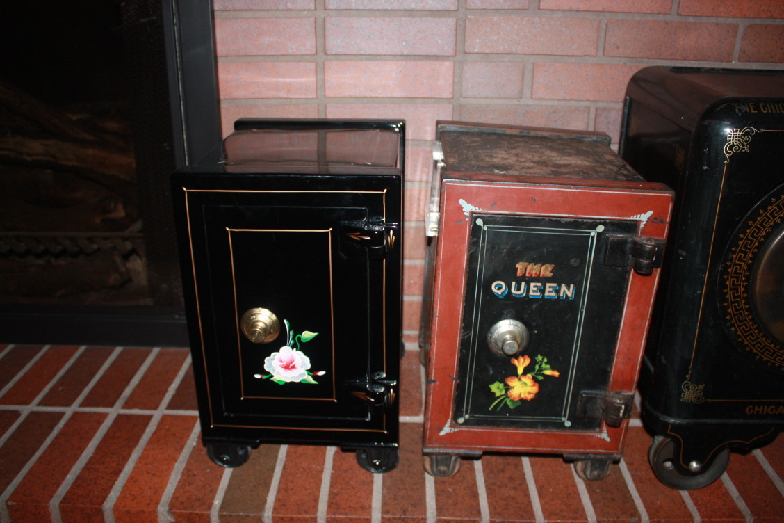 Small Antique Safes for Sale | Tom Ziemer