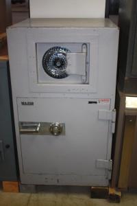 ROUND SQUARE DOOR 003