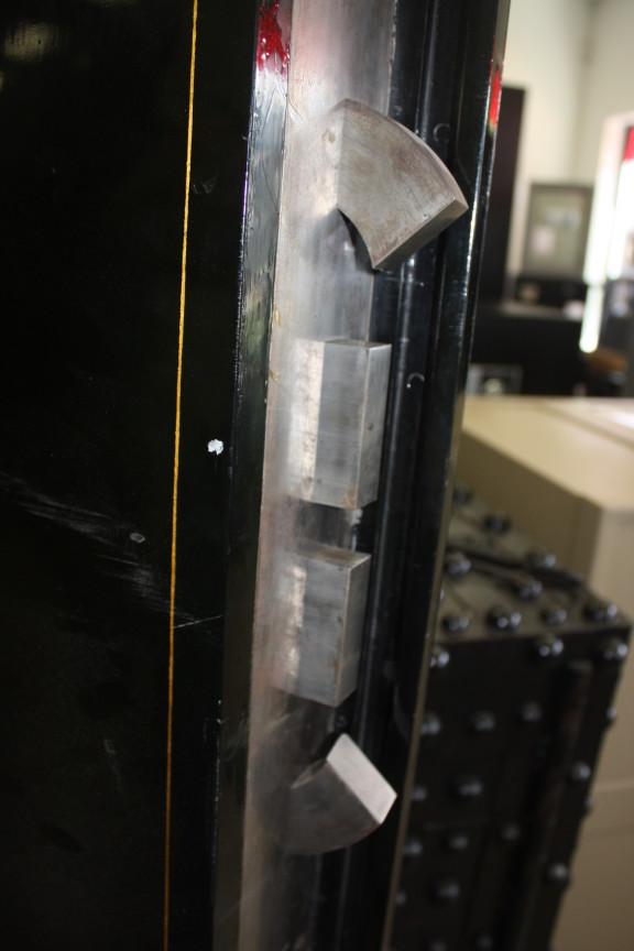 antique safes Archives - Hoogerhyde Safe & Lock